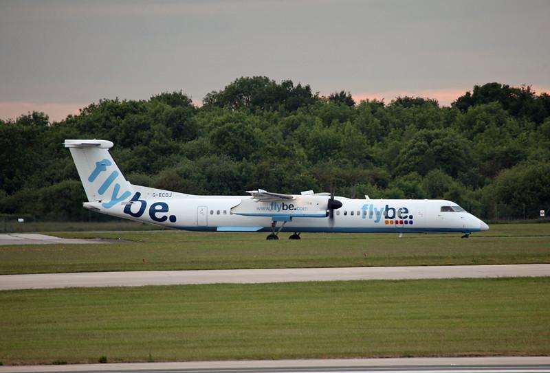 G-ECOJ DHC-8-402 (MAN) Flybe (2)