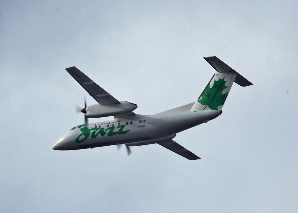 C-GABF Dehavilland DHC-8-311 (in flight over Vancouver) Jazz Aviation LP