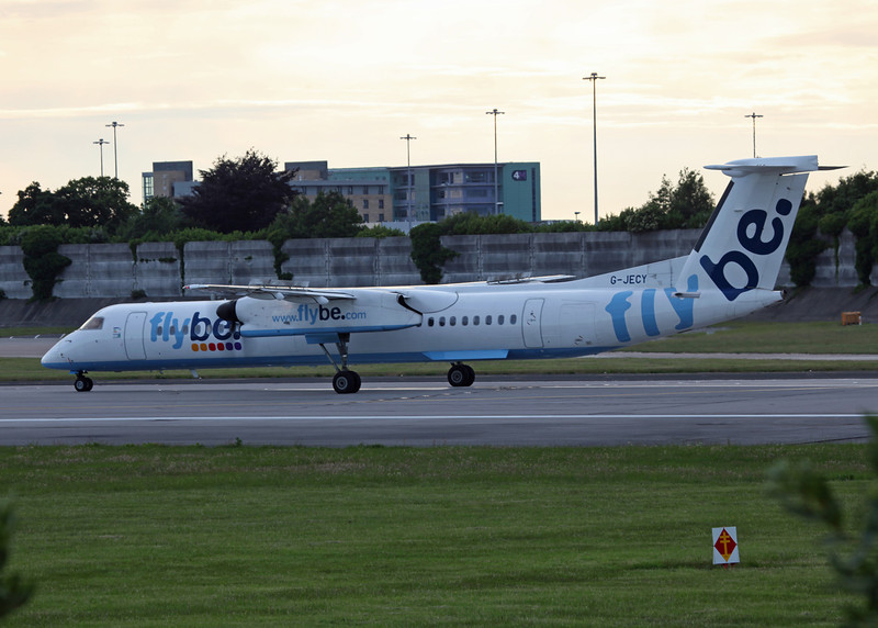G-JECY DHC-8-402 (MAN) Flybe