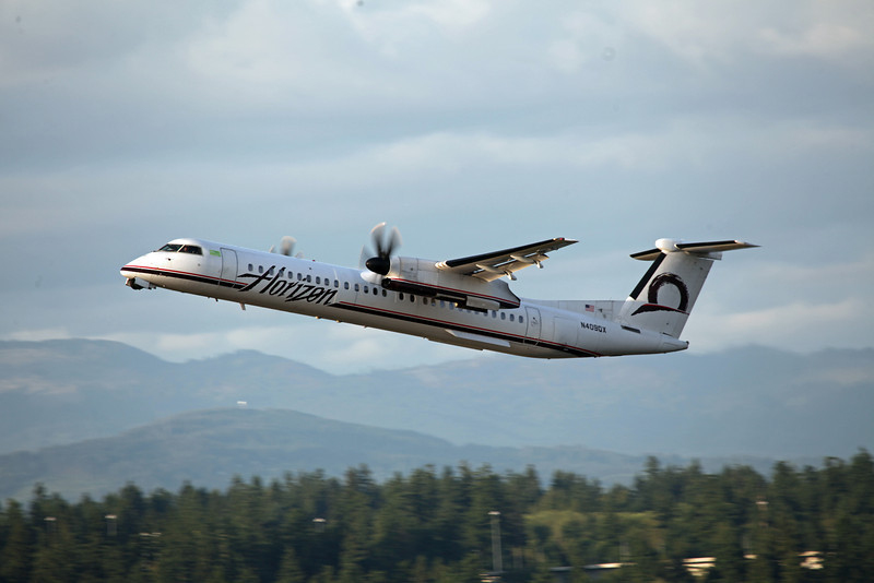 N409QX Bombardier DHC 8-402 (Portland, OR) Horizon Air Industries