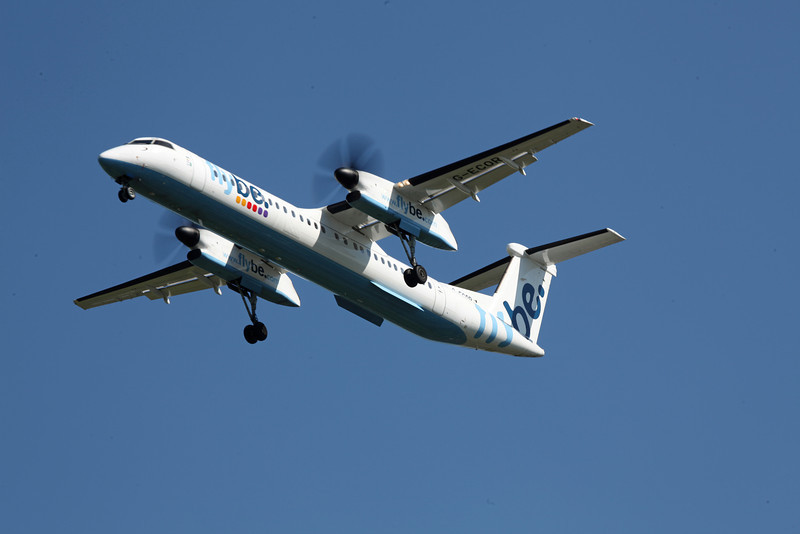 G-ECOR DHC-8-402 (MAN) Flybe (2)