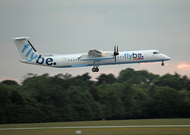 G-JECZ DHC-8-402 (MAN) Flybe (2)