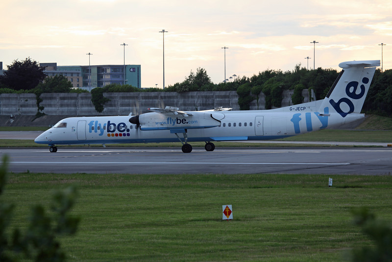 G-JECP DHC-8-402 (MAN) Flybe