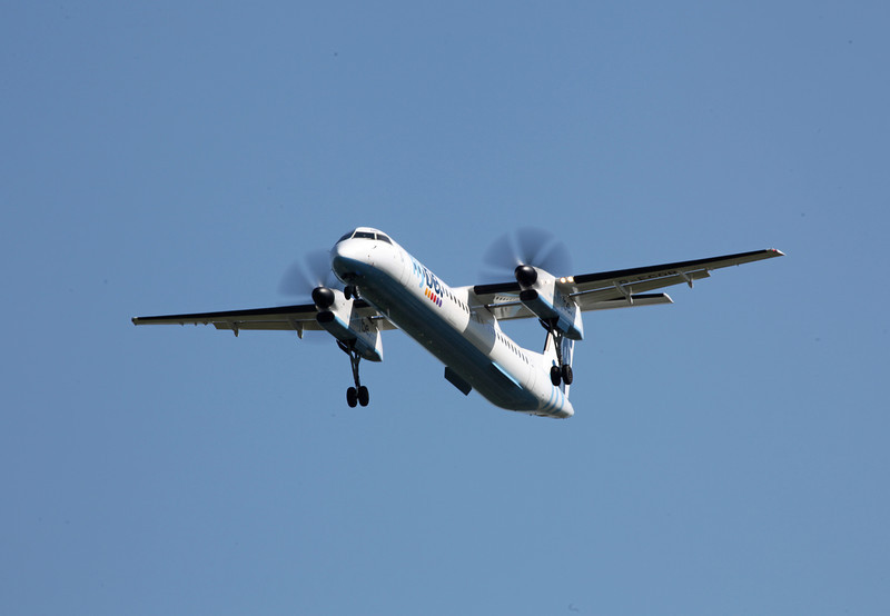 G-ECOR DHC-8-402 (MAN) Flybe