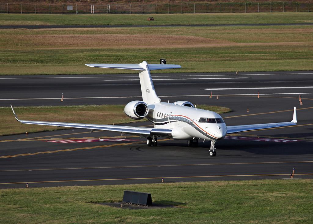 N726AF Bombardier BD-700 (Portland, OR) Vulcan Aircraft Inc 4