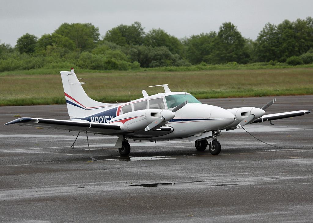 N8215X Cessna 172B (Astoria, Oregon - USA) LAFOREST JEROME P
