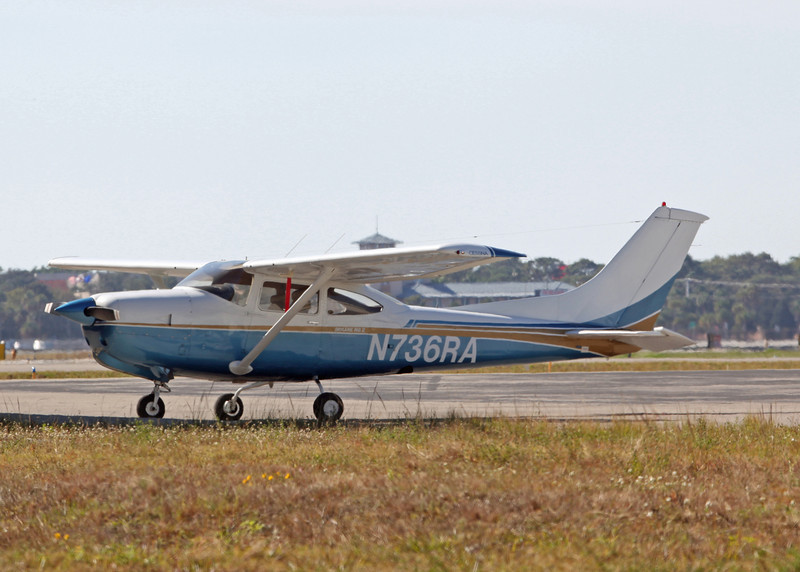 N736RA Cessna R182 (Sarasota international Airport) HCP Inc