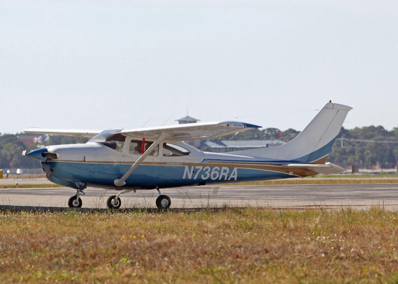N736RA Cessna R182 (Sarasota international Airport) HCP Inc