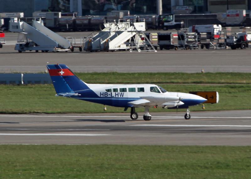 HB-LHW Cessna 402B (Zurich) Private