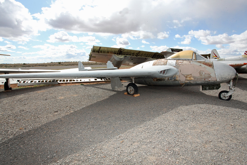 N6881D De Havilland DH 100 Vampire F3 Planes of Fame Grand Canyon Museum