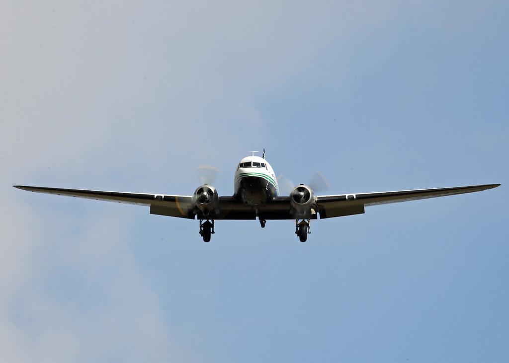 G-AMRA DOUGLAS DC-3C (Boscombe Down) Air Atlantique LTD 3
