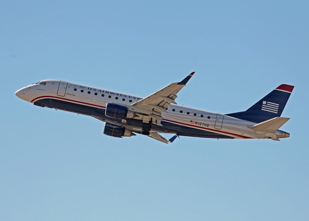 N127HQ ERJ170-200LR (SRQ) US Airways Express