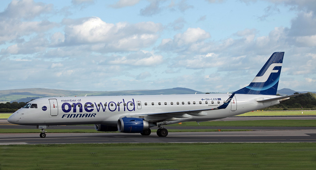 OH-LKN Bombardier ERJ-190LR (MAN) Finnair [One World Colour Scheme] 1