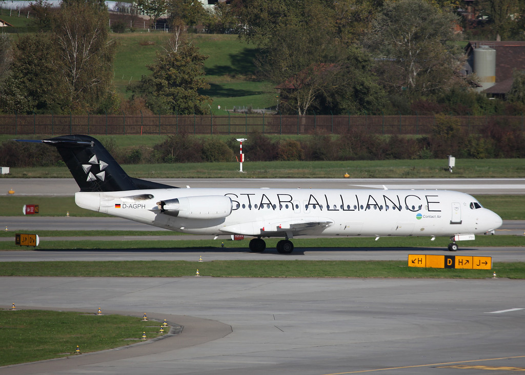 D-AGPH Fokker 100 (Zurich) Contact Air (Star Alliance livery)
