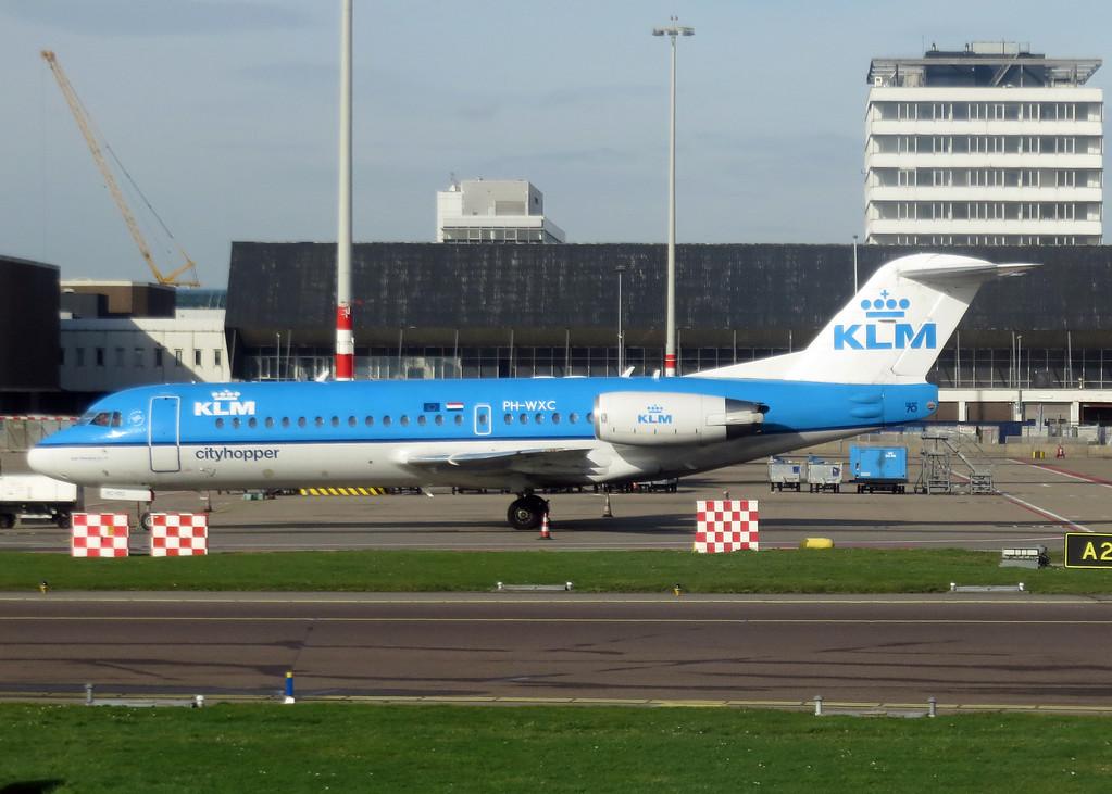 PH-WXC Fokker 70 (Amsterdam Schipol Airport) KLM
