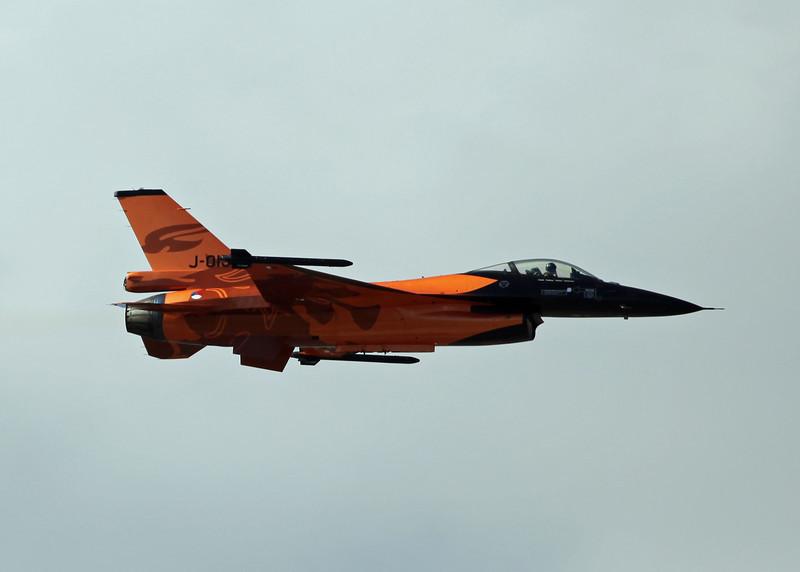 J-015 F16AM Fighting Falcon (RAF Fairford) Royal Netherlands Airforce (RIAT 2010)