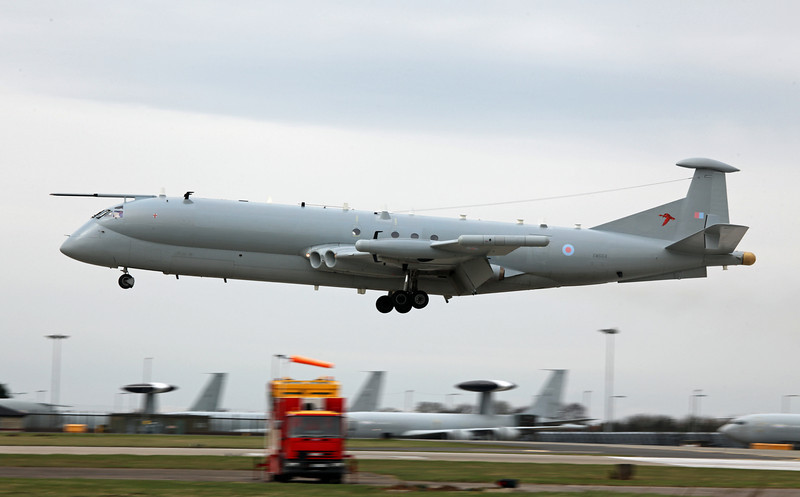 XW664 BAe Nimrod R1 (RAF Waddington) Royal Air Force 6