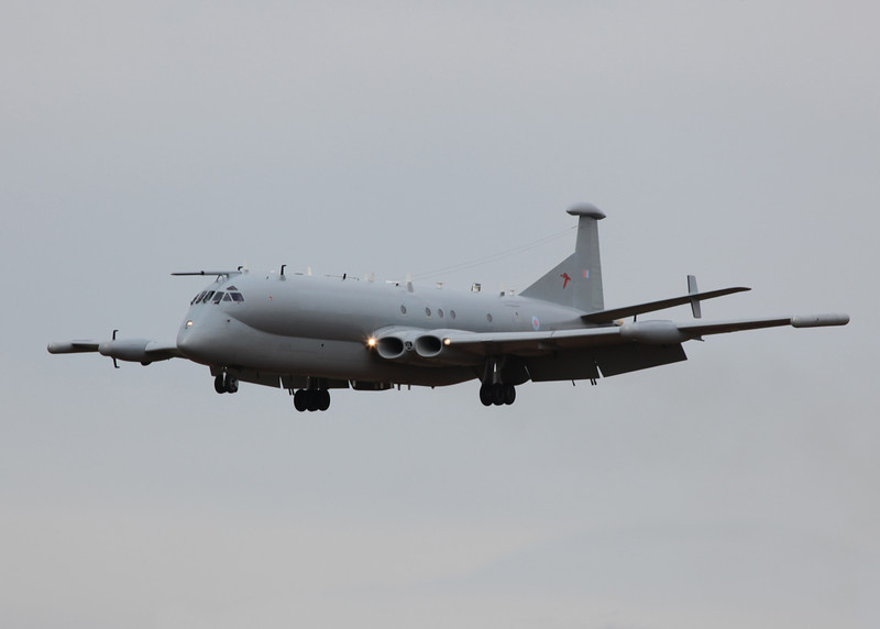 XW664 BAe Nimrod R1 (RAF Waddington) Royal Air Force 8