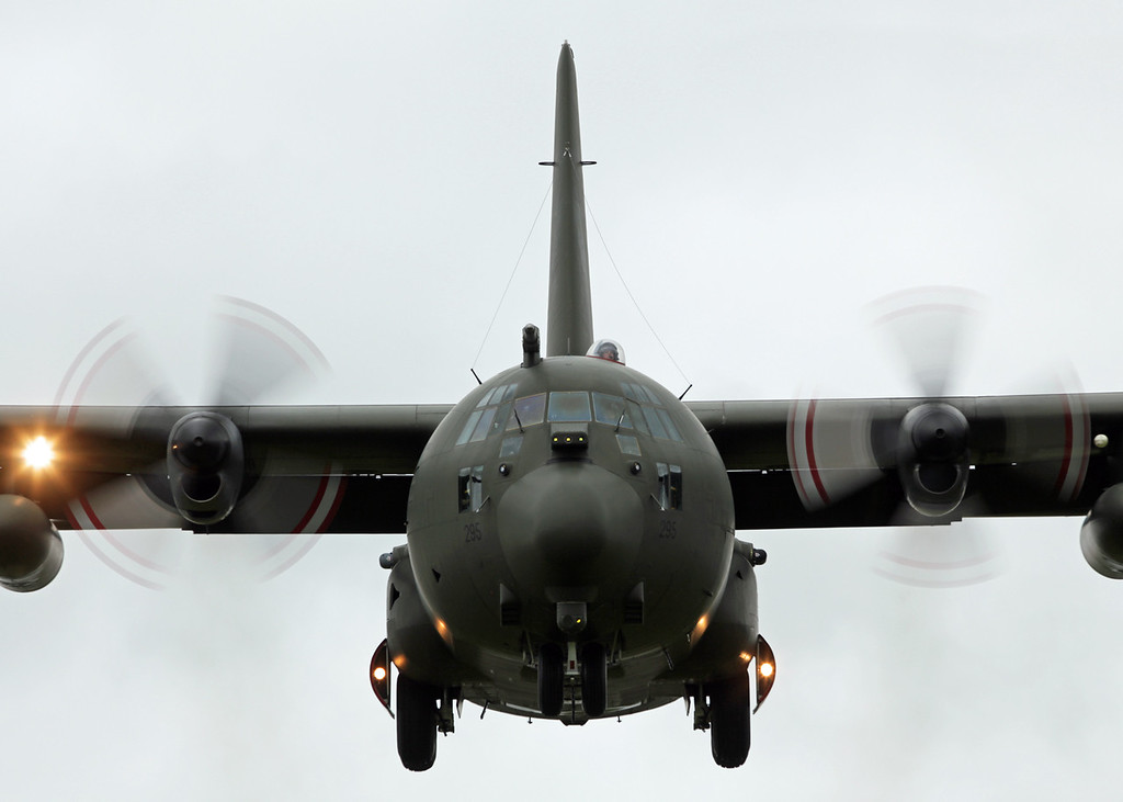 XV295 Lockheed C-130E 'Hercules' (RAF Brize Norton) Royal Air Force [2]