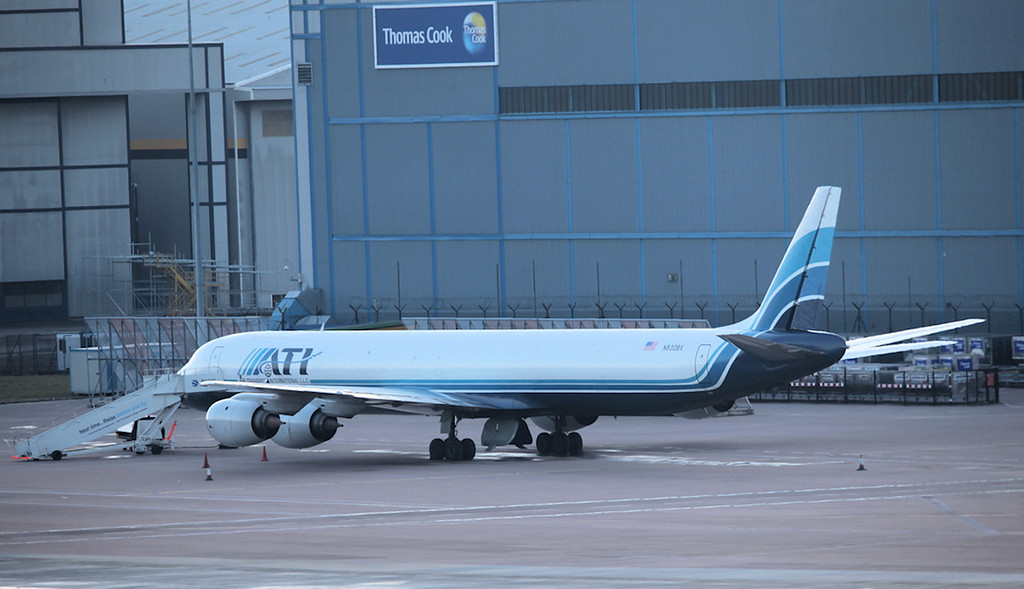 DC-8 N830BX 19-02-2010