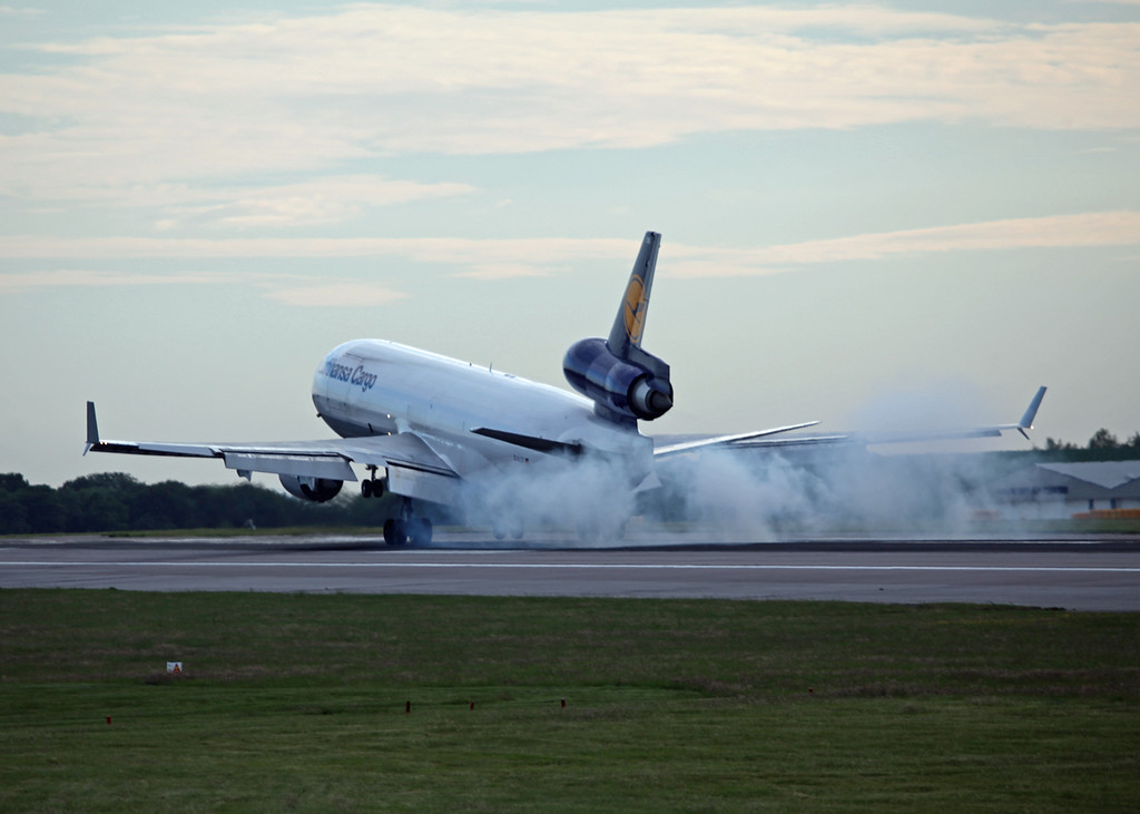 D-ALCK McDonnell Douglas MD11F (MAN) Lufthansa Cargo (6)