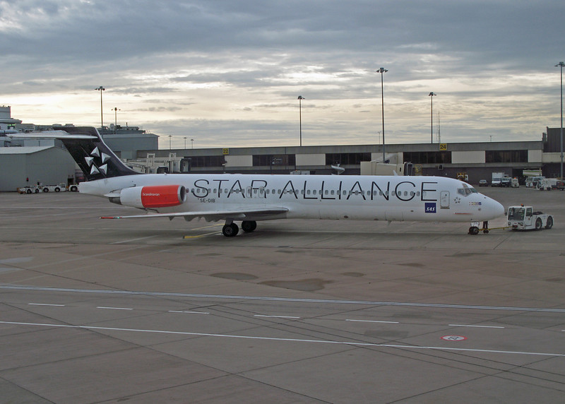 SE-DIB MD-87 (MAN) SAS Scandinavian Airways