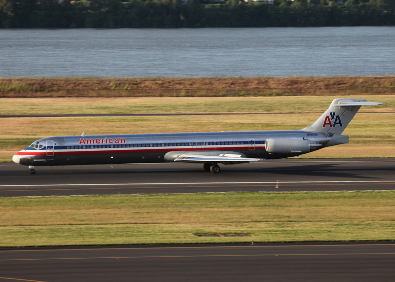 N9626F McDonnell Douglas MD-83 (DC-9-83) (Portland Airport, Oregon) American Airlines