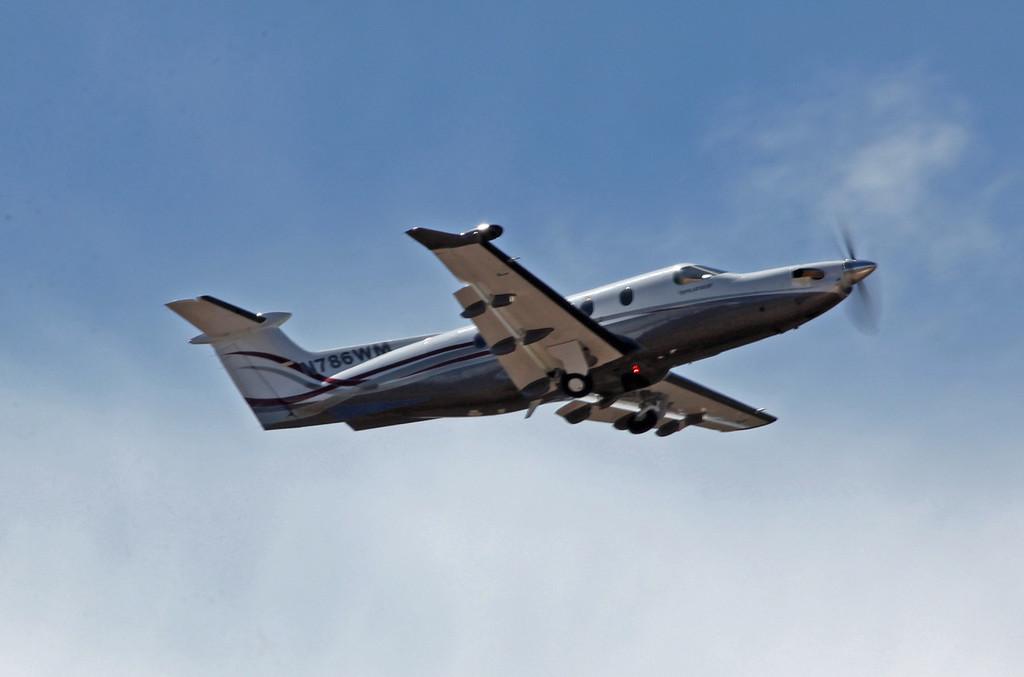 N786WM Pilatus PC 12-47 (GCN) Water Wings