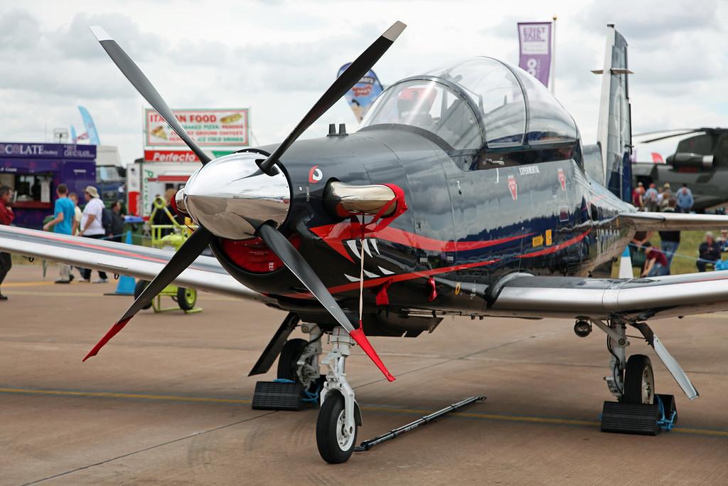 N3000B Raytheon Aircraft Company PH-1 (RAF Fairford)  Hawker Beechcraft Ltd (RIAT 2010, Experimental) 2