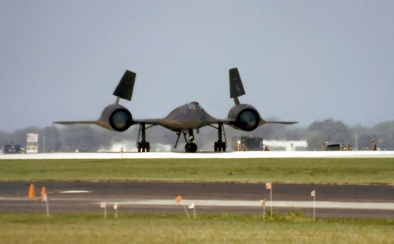 SR-71 Lining up for takeoff on Oshkosh Rwy 18, July 1989