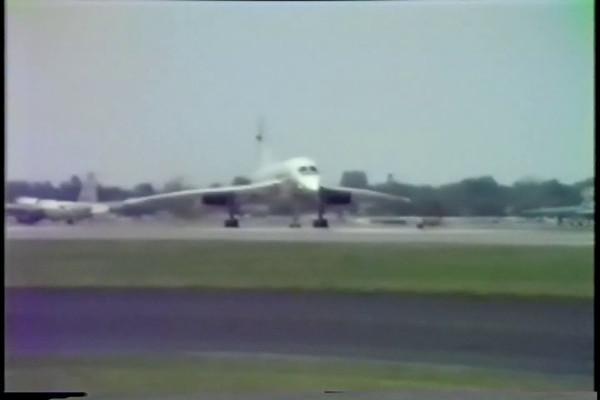 ConcordeTakeOff1_1985