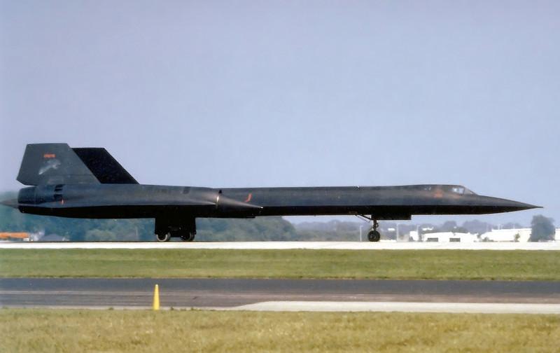 Take-off roll on rwy 18 Oshkosh 1989