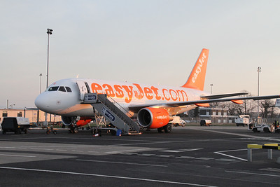 G-EZFS at Belfast International