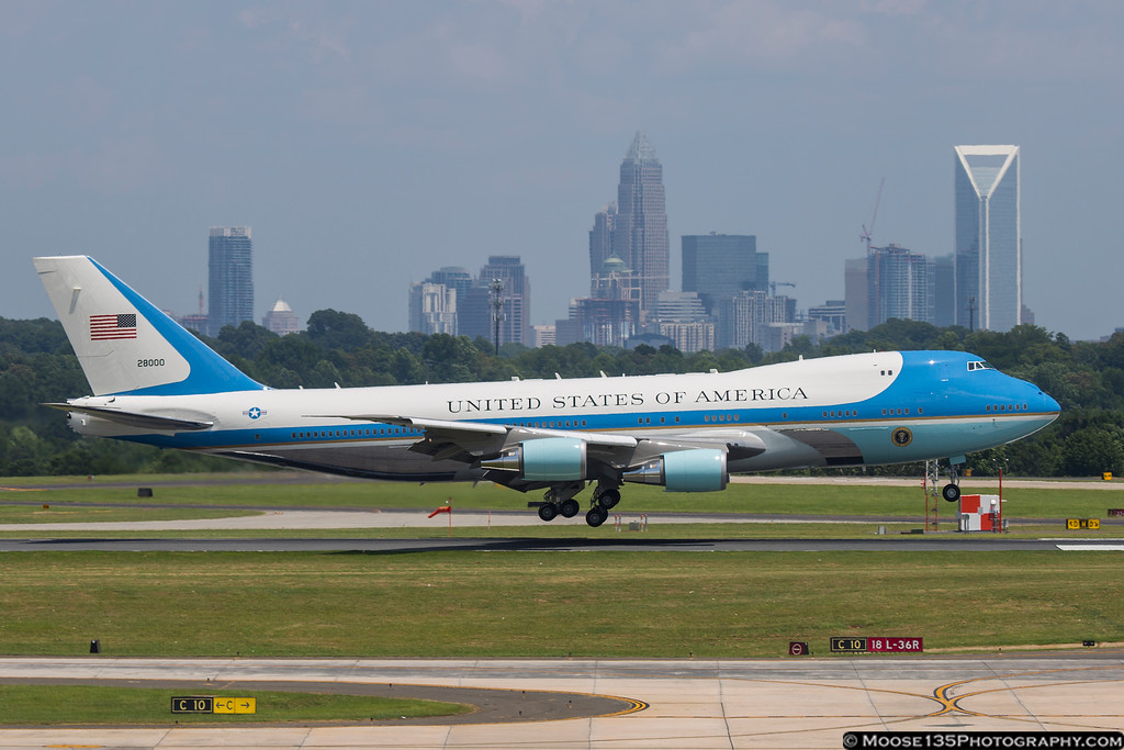 IMAGE: https://photos.smugmug.com/Airplanes/Airliners-and-Airport-Spotting/Charlotte-Douglas-Airport/i-6WD74q8/0/XL/JM_2016_07_05_VC-25A_82-8000_001-XL.jpg