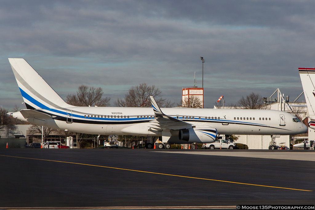 IMAGE: https://photos.smugmug.com/Airplanes/Airliners-and-Airport-Spotting/Charlotte-Douglas-Airport/i-HdpWM9p/0/5c1a8031/XL/JM_2018_01_10_N801DM_001-XL.jpg