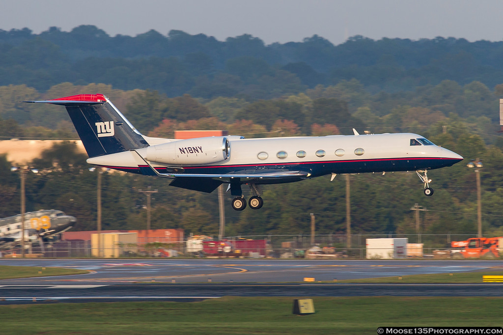 IMAGE: https://photos.smugmug.com/Airplanes/Airliners-and-Airport-Spotting/Charlotte-Douglas-Airport/i-nC8PT6k/0/f1d55b25/XL/JM_2018_10_06_N18NY_002-XL.jpg