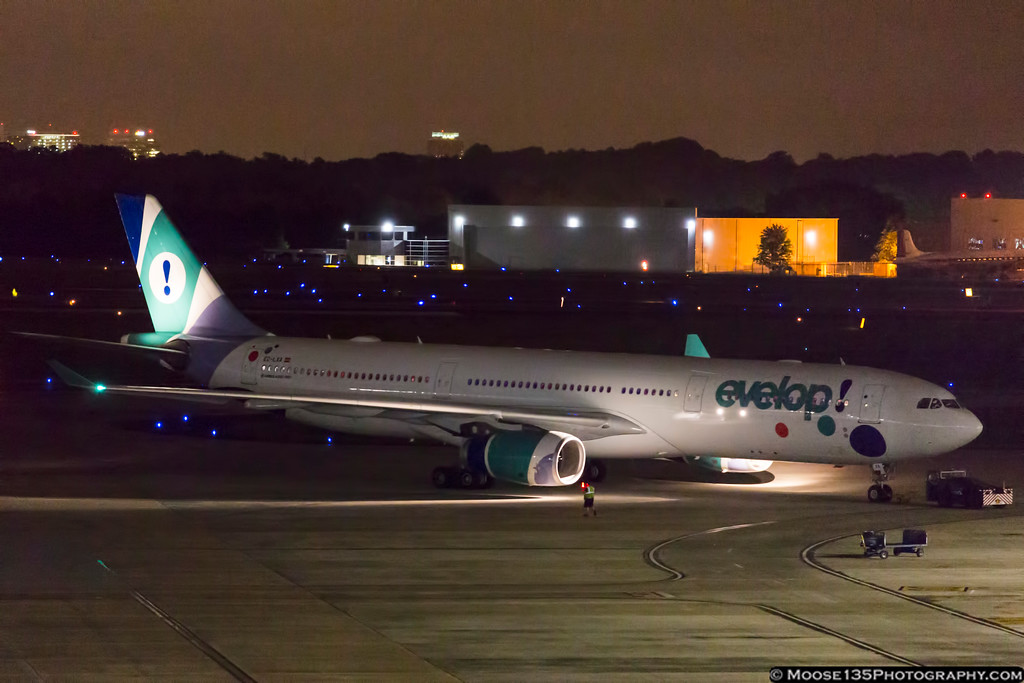 IMAGE: https://photos.smugmug.com/Airplanes/Airliners-and-Airport-Spotting/Charlotte-Douglas-Airport/i-qC7CKgt/0/139186e3/XL/JM_2017_06_22_EC-LXA_005-XL.jpg