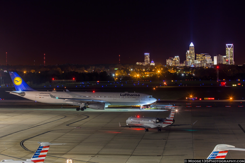 IMAGE: https://photos.smugmug.com/Airplanes/Airliners-and-Airport-Spotting/Charlotte-Douglas-Airport/i-t8DK3Pj/0/XL/JM_2016_12_02_D-AIKQ_001-XL.jpg