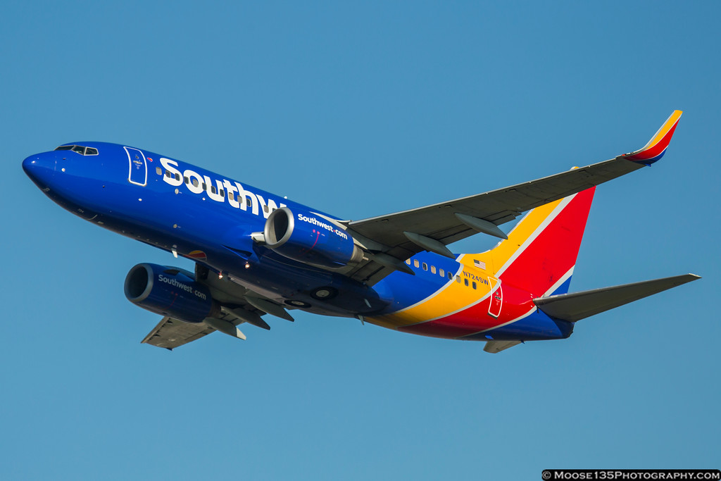 IMAGE: https://photos.smugmug.com/Airplanes/Airliners-and-Airport-Spotting/Charlotte-Douglas-Airport/i-w6L95k3/0/XL/JM_2016_06_10_N724SW_002-XL.jpg