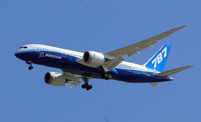 Boeing's new 787 on Goodwill tour in San Diego.