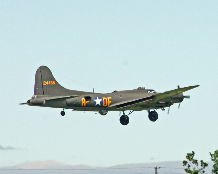 "The ""Memphis Belle"" on final approach to Jabara Airport, June 1, 2013."