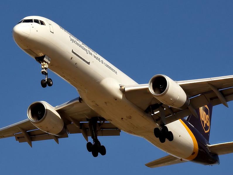 UPS Boeing 757 on short final to San Jose California KSJC.