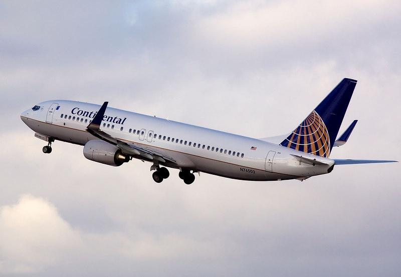 Continental Airlines Boeing 737 departing from San Jose International (KSJC)<br /> Registration N76502