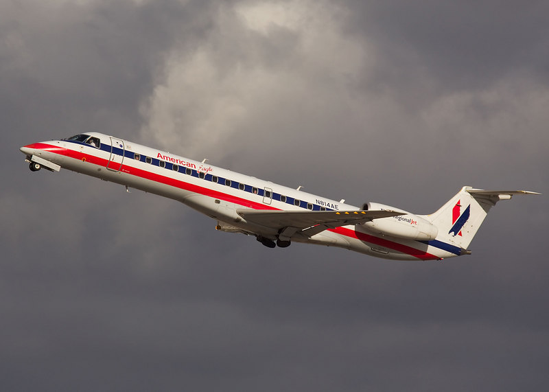 American Eagle, N814AE on takeoff from San Jose International.