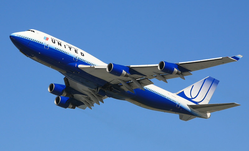 United Airlines Boeing 747-400, N196UA, climbing away from San Francisco International,