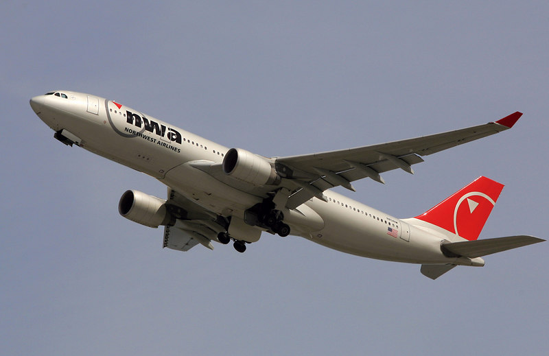"""""""Northwest Airlines"""" Airbus A330"""