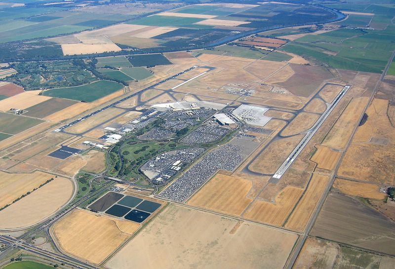Sacramento International  Airport (KSMF) from 4500 feet.