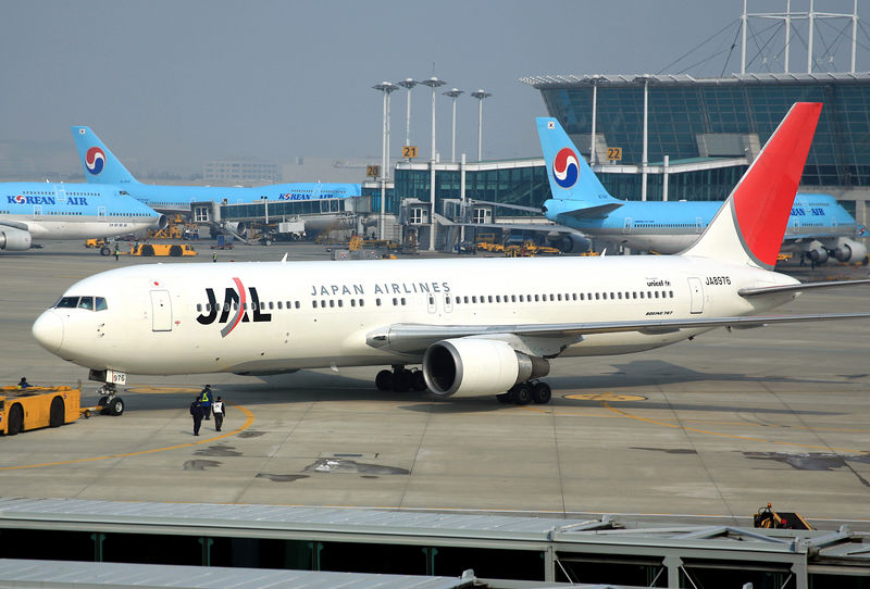 Japan Airlines B767 being pushed back from the gate at Inchon, South Korea.