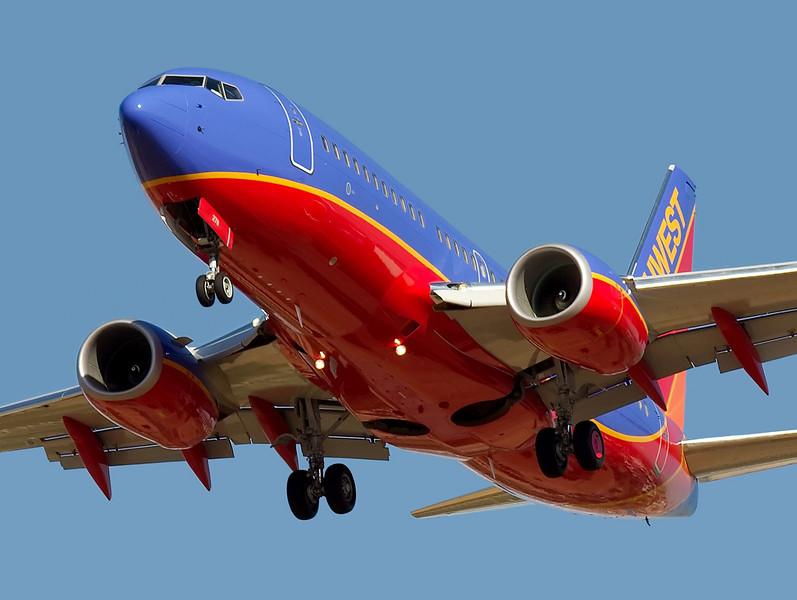 Southwest Airlines  Boeing 737 N278WN on short final to runway 30L at KSJC, San Jose, California.