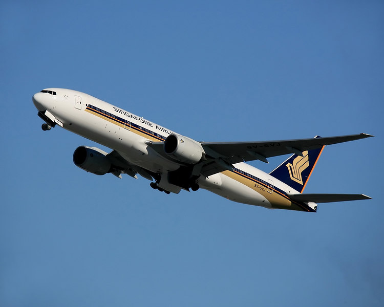 A Singapore Airline Boeing 777 takes off from San Franciso International.<br /> Registration 9V-SVJ